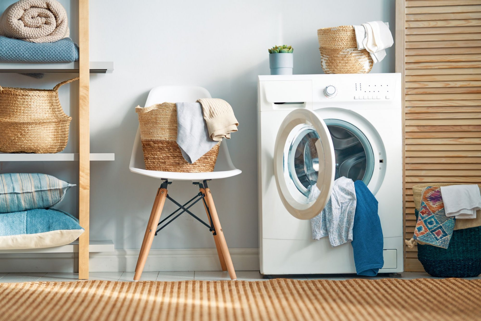 laundry-room-with-a-washing-machine-roya